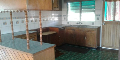 3 Bedrooms Top flat for rent