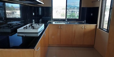 2 Bedroom Top Flats for Rent