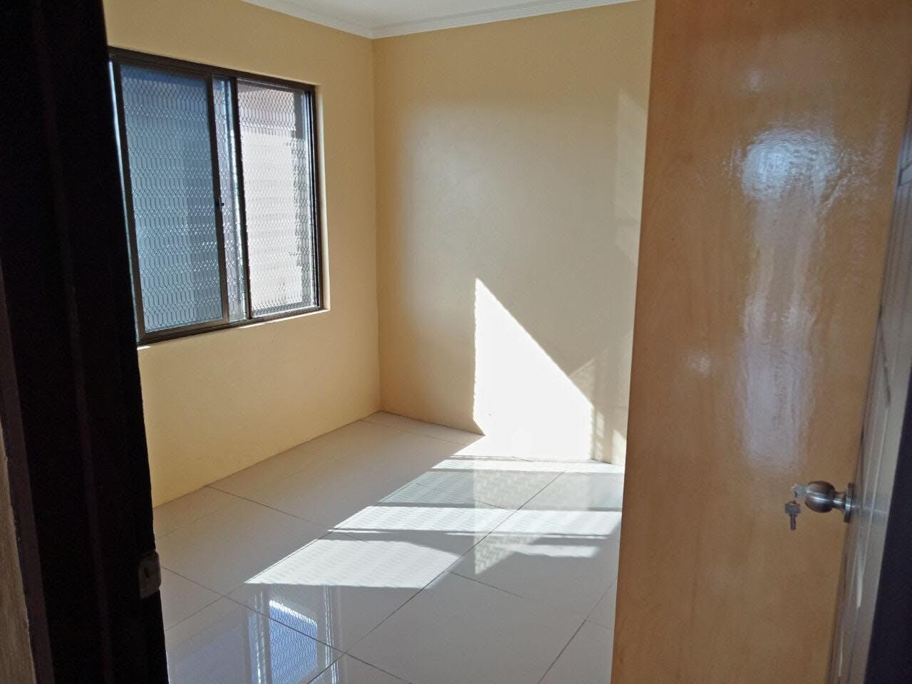 2 Bedroom Top Flats for Rent
