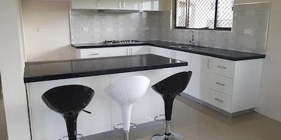 3 bedroom Flat For Rent