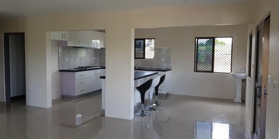 3 bedroom Flat For Rent