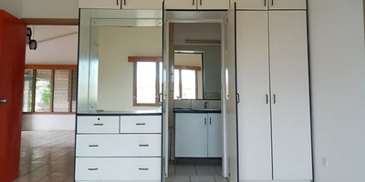 En Suite plus 2 Bdrms Flat for rent