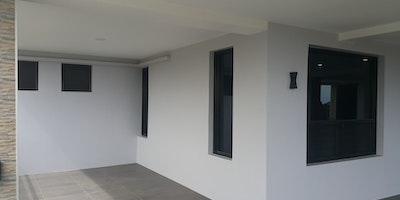 En-Suite + Self Contained Unit With 2 Bedrooms For Rent