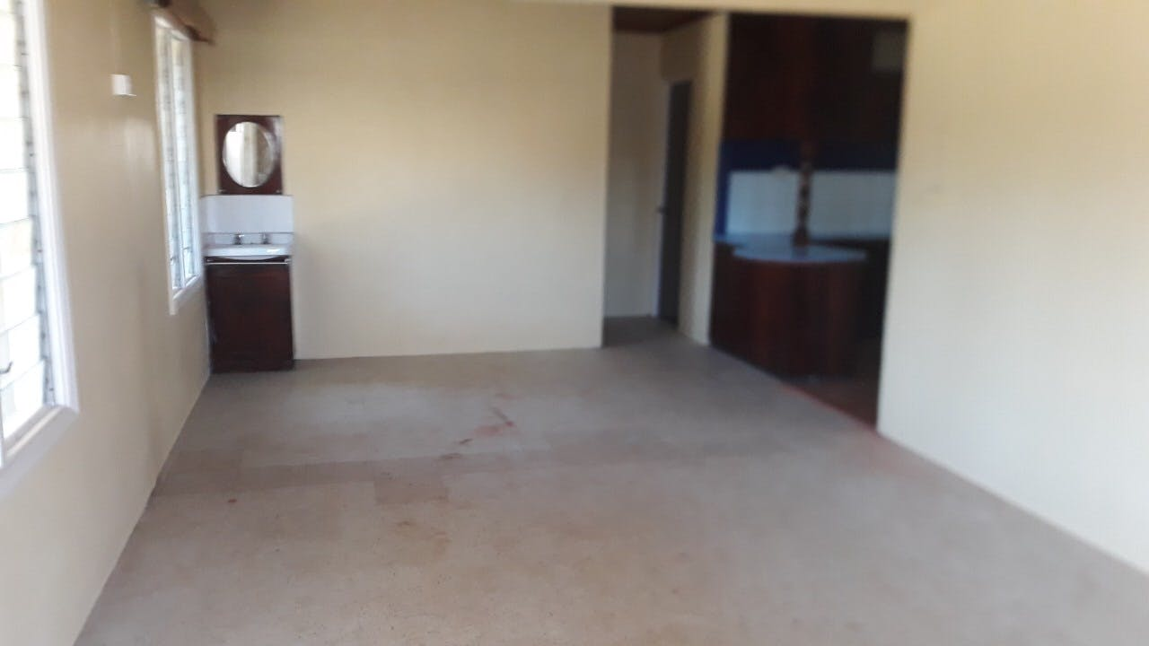 House for sale (2 flats)