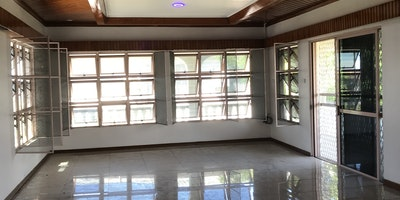 4 bedroom house for rent (1 master)